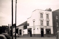 Redcliff, Portwall Lane, Globe & Foresters. demolished probably in the early 1960's.