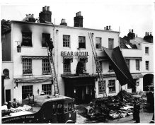 Maidenhead, The Bear Hotel fire 1960