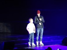 Just a bit before 20.00, Baylee, Brian Littrell's son takes the stage to perform 2 songs (he's 11)