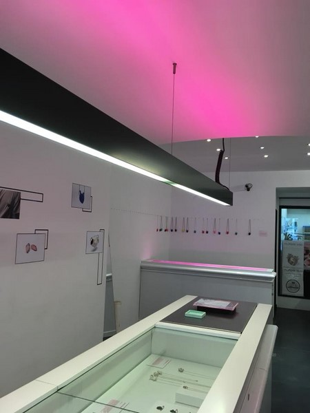 Contemporary Jewelry exhibition in Hasselt by Smitten Collective