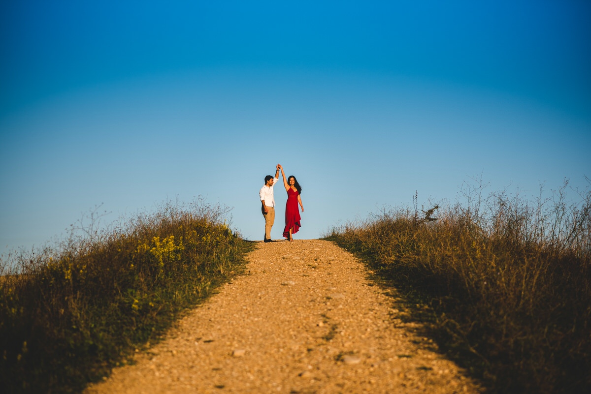 stunning engagement photos in val d'orcia