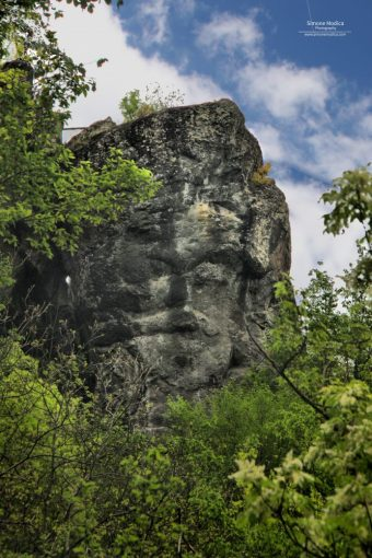 Borzone - Volto Megalitico