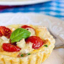 Hartige taartjes met tomaat en gorgonzola | simoneskitchen.nl