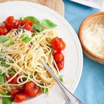 Spaghetti met geplette tomaten   simoneskitchen.nl