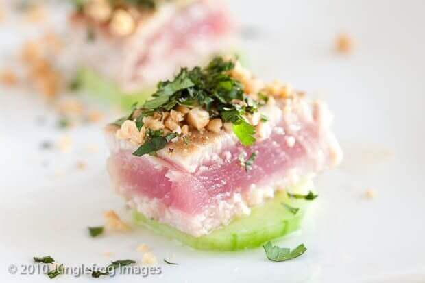 Kort gebakken tonijn op komkommer | simoneskitchen.nl