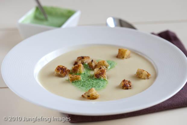 Pastinaak soep met peterselie room | simoneskitchen.nl