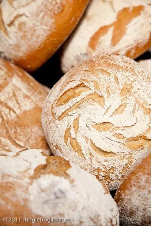 Ons allereerste eigen gebakken brood zag er best goed uit!