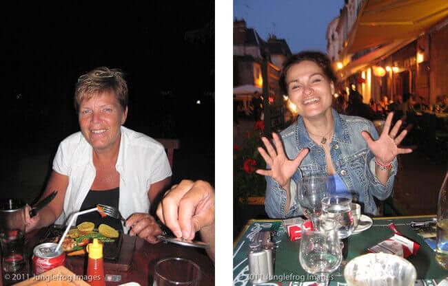 Links een typische flitsfoto; weg sfeer, donkere achtergrond. Rechts een flitsfoto met langere sluitertijd 1/8s maar wel meer sfeer en een achtergrond!