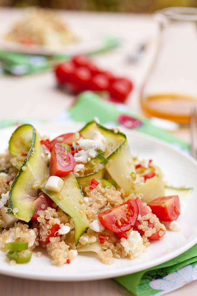 Quinoa salade met feta en courgette en tomaat   simoneskitchen.nl