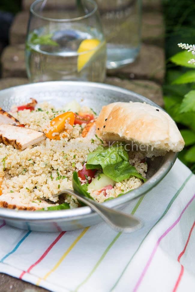 Quinoa salade met harissa kip
