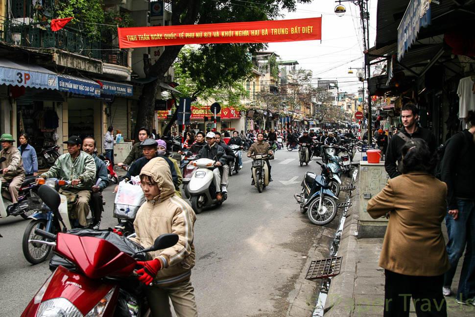Brommers in Hanoi | simoneskitchen.nl