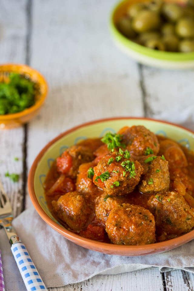 Spaanse gehaktballetjes - albondigas met pittige tomatensaus
