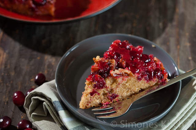 Cranberry upside down cake | simoneskitchen.nl