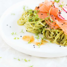 Green tea noodles with smoked salmon |insimoneskitchen.com