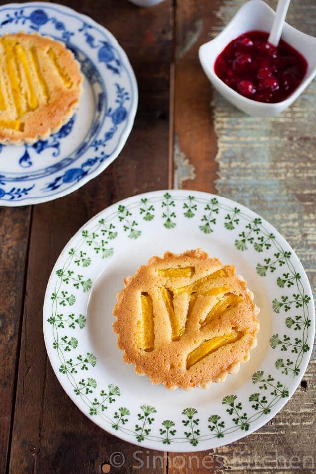 Mango frangipane taartjes | simoneskitchen.nl