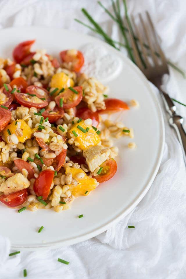 Granen salade met mango en tomaat | simoneskitchen.nl