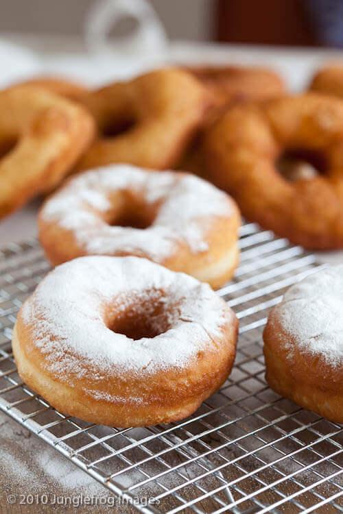 Delicious doughnuts   insimoneskitchen.com