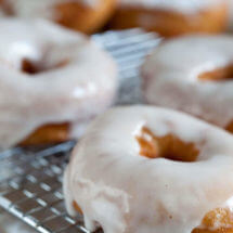 Making your own doughnuts   insimoneskitchen.com