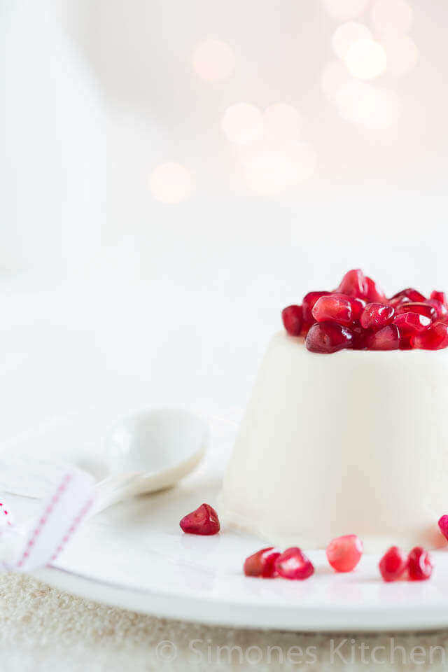 Yoghurt pannacota met granaatappel | simoneskitchen.nl