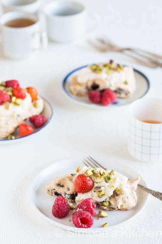 Chocolade meringue taartjes | simoneskitchen.nl