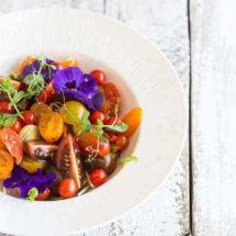 Tomatensalade met basilicumolie | simoneskitchen.nl