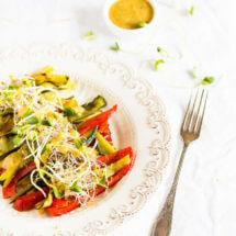 Geroosterde groentes met tahini dressing | simoneskitchen.nl