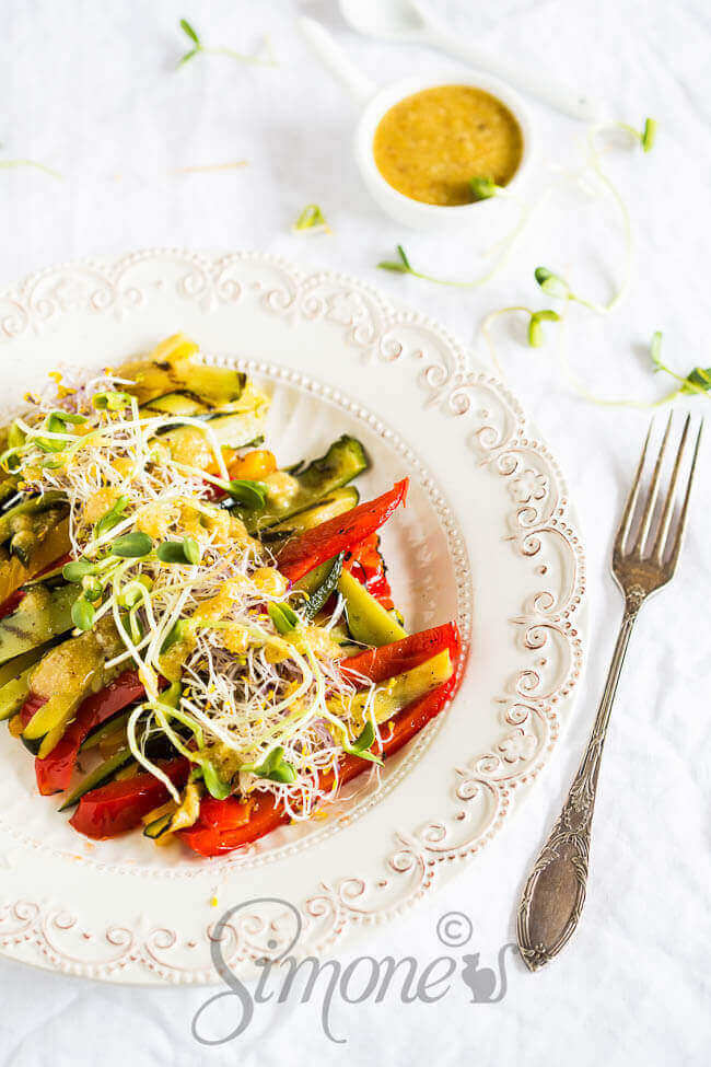 Geroosterde groenten met tahini dressing | simoneskitchen.nl
