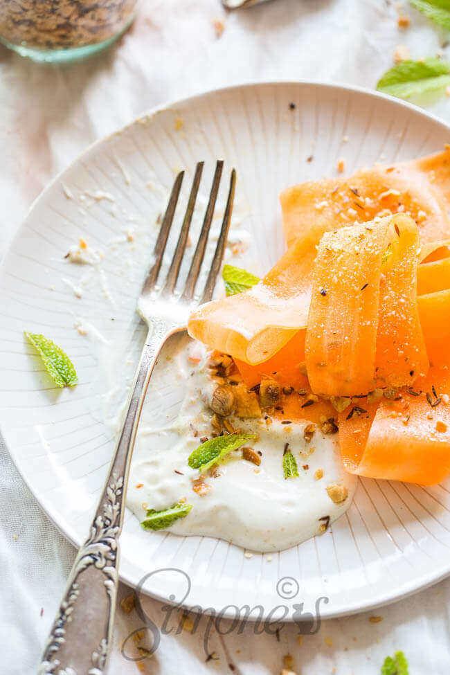 Wortelsalade met yoghurt dressing | simoneskitchen.nl