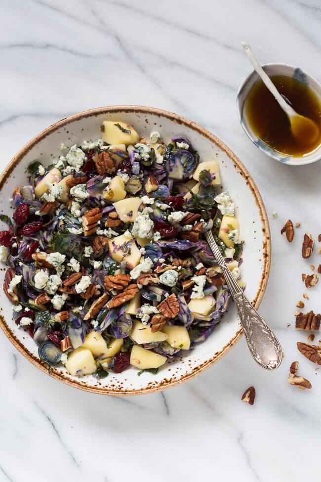 Salade van paarse spruitjes met appel | simoneskitchen.nl