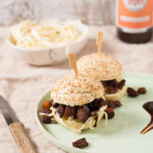 Pork belly slider met ingelegde kool en hoisin saus | simoneskitchen.nl