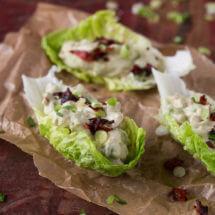 Slaschuitjes met avocado - chorizo salade | simoneskitchen.nl