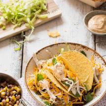 Tacos' gevuld met gepocheerde kip en bonen | simoneskitchen.nl