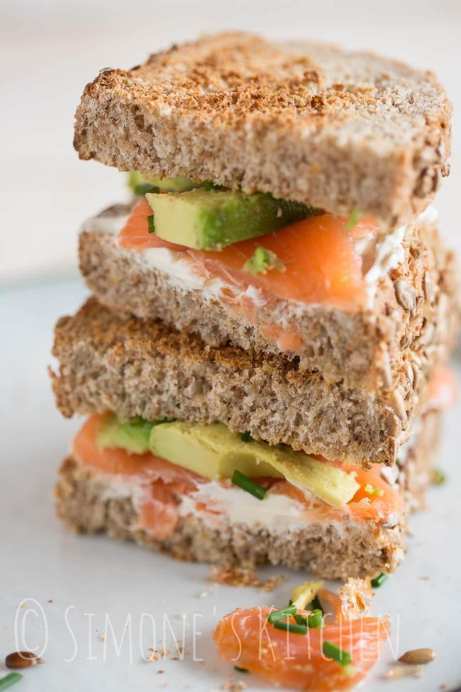 Sandwich met zalm en avocado   simoneskitchen.nl