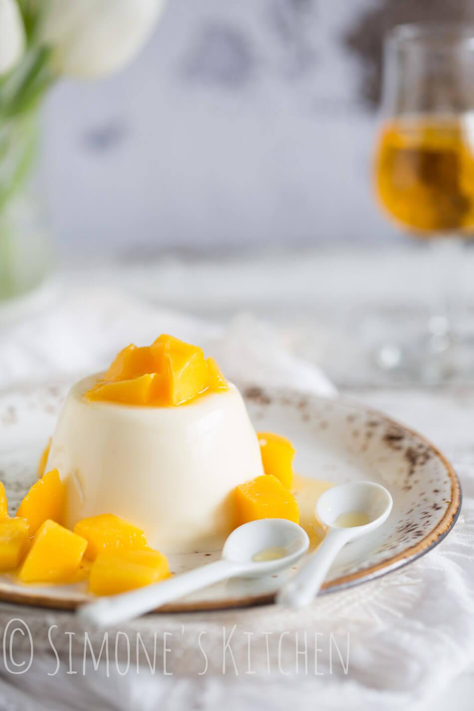Pannacotta met mango en licor 43 | simoneskitchen.nl