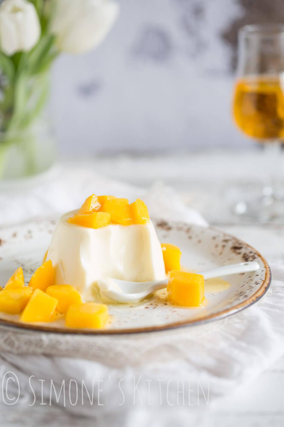 pannacotta met licor 43 en mango | simoneskitchen.nl