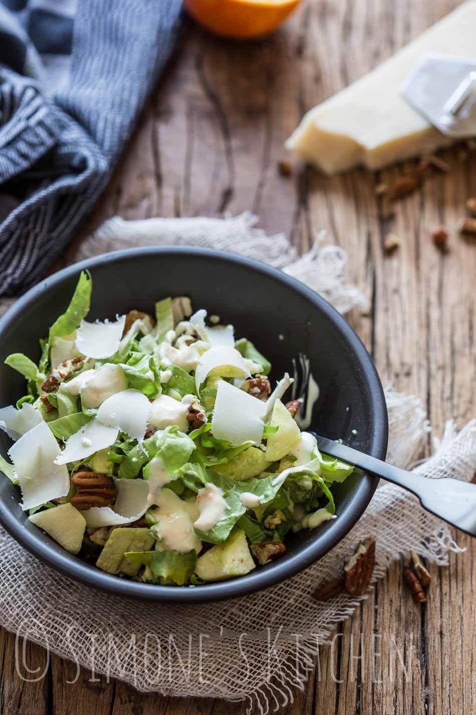 Rauwe andijviesalade met avocado en appel | simoneskitchen.nl