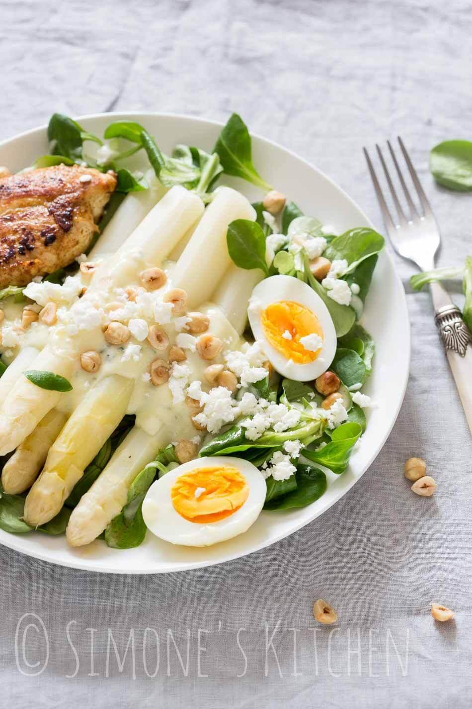 Asperge salade met feta en hazelnootjes | simoneskitchen.nl