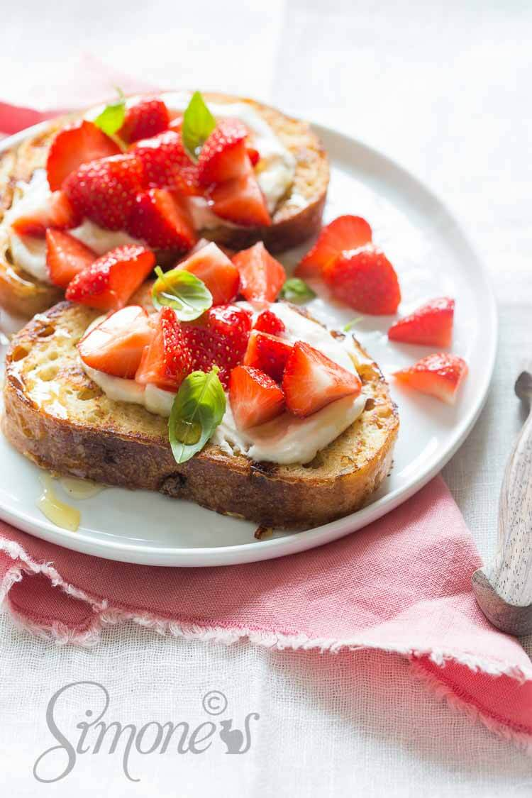 Wentelteefjes met ricotta en aardbeien | simoneskitchen.nl