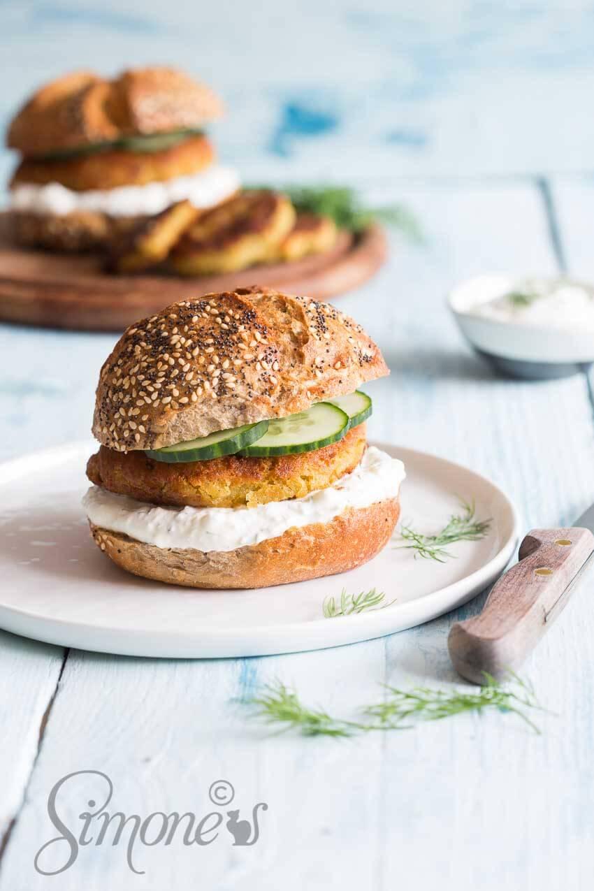 Falafelburger met tzatziki | simoneskitchen.nl