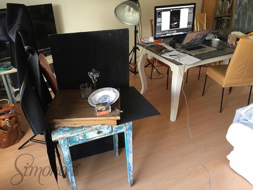 Hier kun je nog zien hoe het er achter de schermen uitziet en hoe het er als foto uitziet op het beeldscherm op de tafel