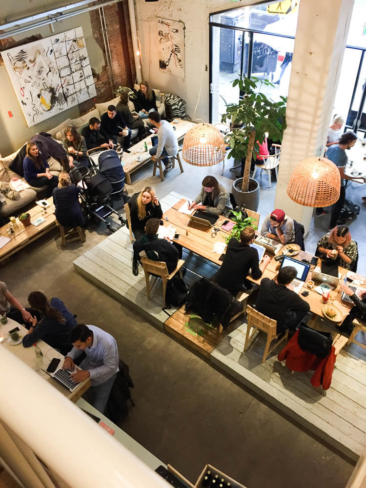 Coffee and the coconut - hotspot in Amsterdam | simoneskitchen.nl