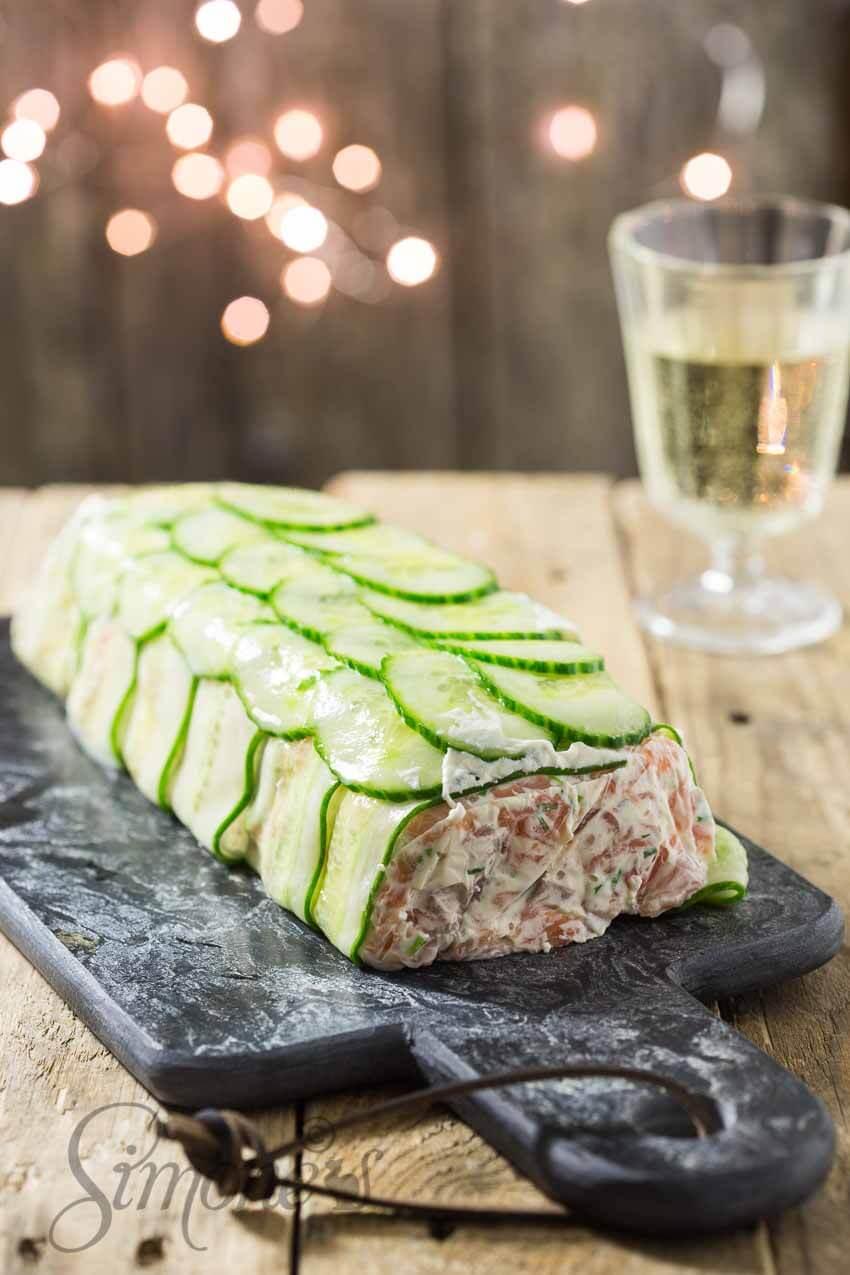 Zalm terrine met ei en komkommer | simoneskitchen.nl