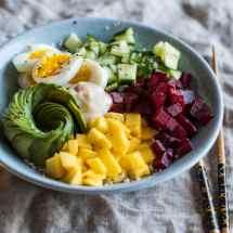 Poké bowl met bloemkoolrijst | simoneskitchen.nl