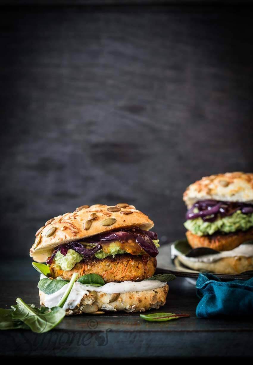 Wortel-sesam en kikkererwt burger | simoneskitchen.nl