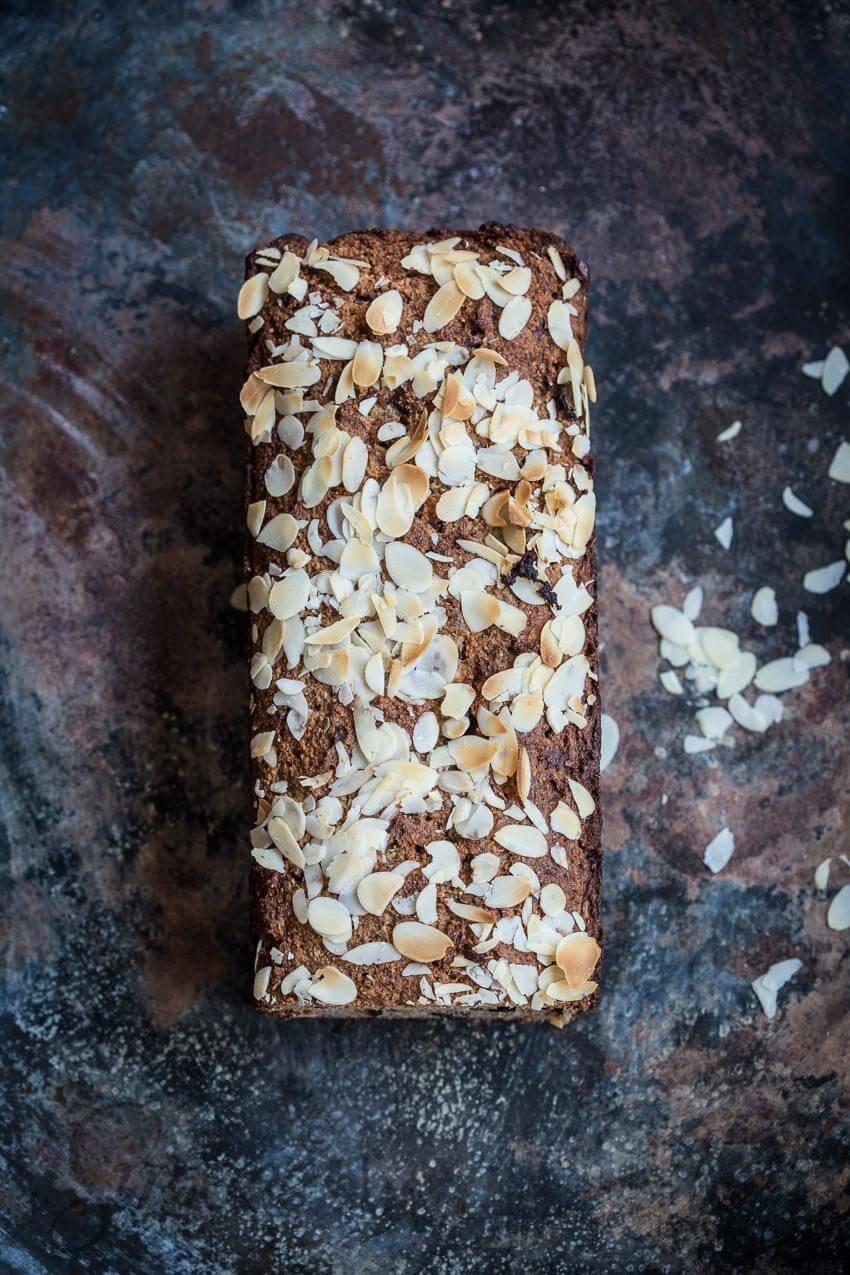 Glutenvrije bananencake met cacao nibs | simoneskitchen.nl