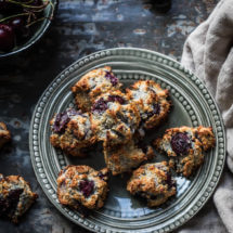 Kokos kersen koekjes die glutenvrij en paleo zijn | simoneskitchen.nl