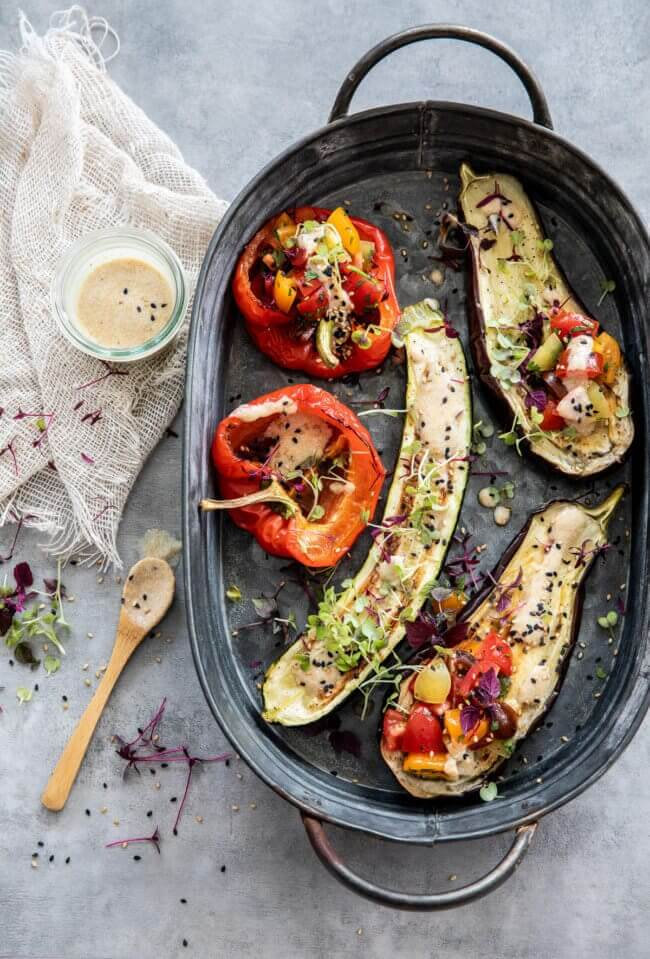 Geroosterde groente met tahini dressing | simoneskitchen.nl