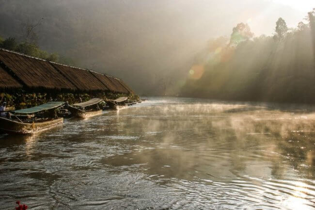 Slapen op de River Kwai Jungle Rafts