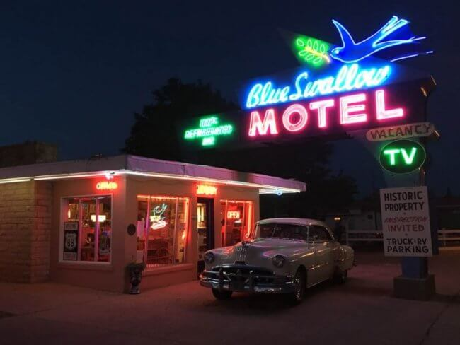 Blue swallow motel - route 66