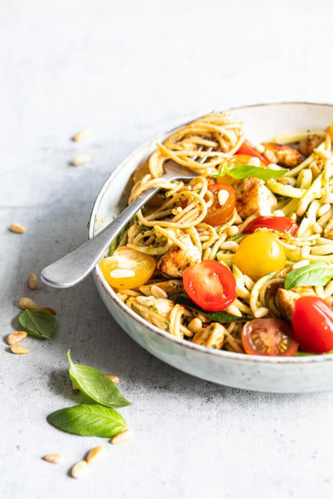 Heerlijke pesto kip met courgette pasta